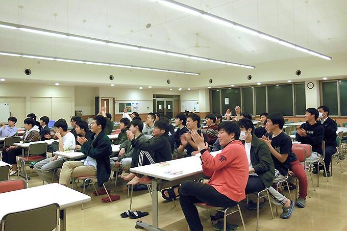 寮体験プログラムに参加した通学生を大歓迎!